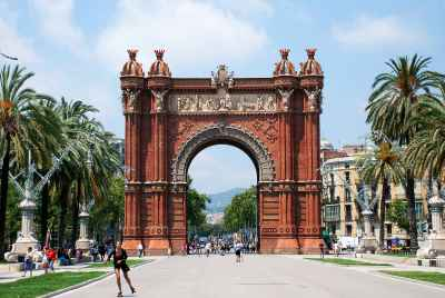 Residential building close to Arc de Triomf in Barcelona